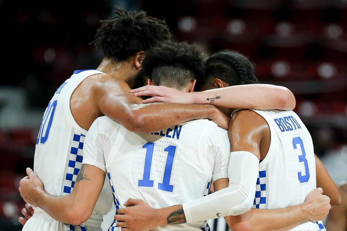Dontaie Allen, UK huddle