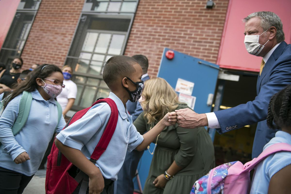 Mayor Bill de Blasio and Schools Chancellor Porter welcome students back for the first day of school at P.S. 25 in The Bronx. Monday, September 13, 2021
