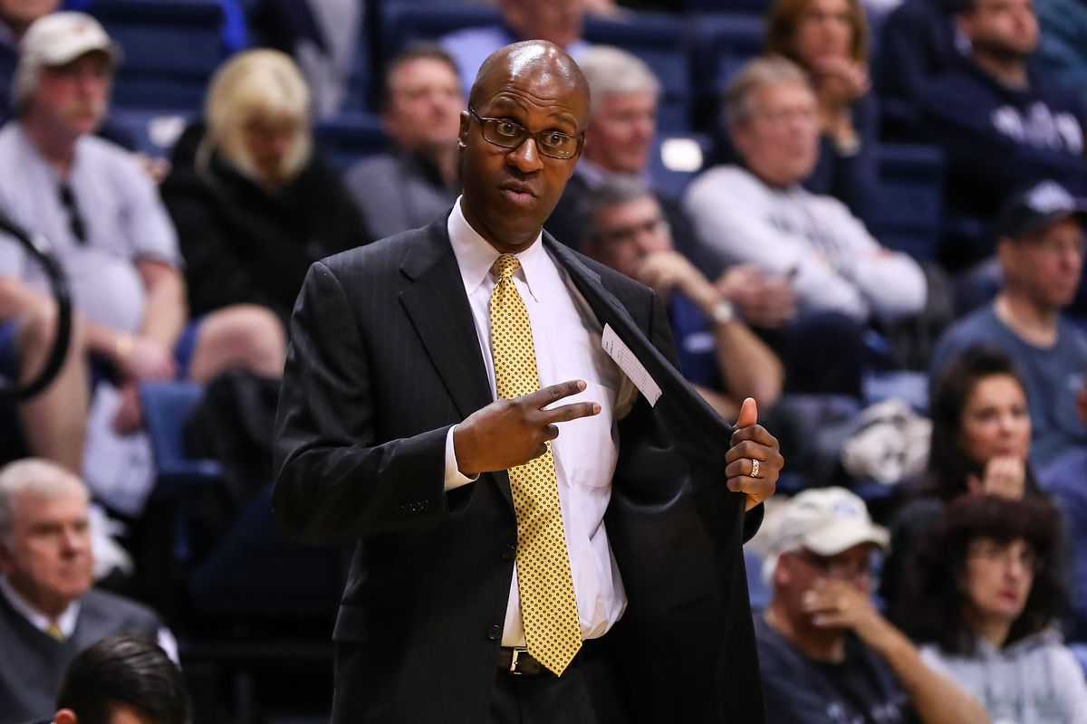 NCAA BASKETBALL: DEC 04 Canisius at Monmouth