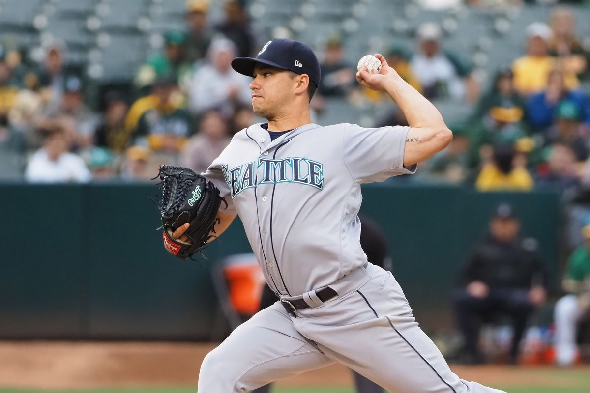 Marco Gonzales and Chris Bassitt have pitch count contest; Marco wins, as do Mariners