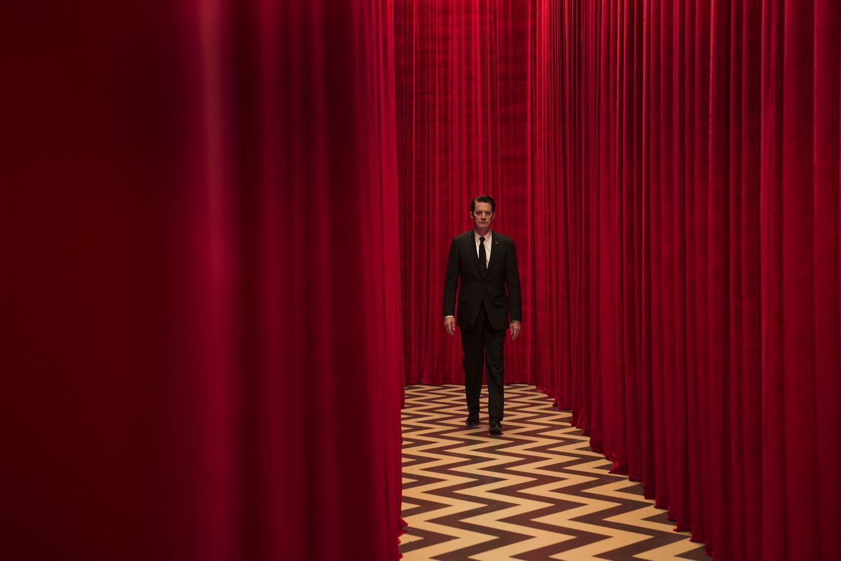 54b3b66e6fc Question Club  Should the new season of Twin Peaks even be called ...