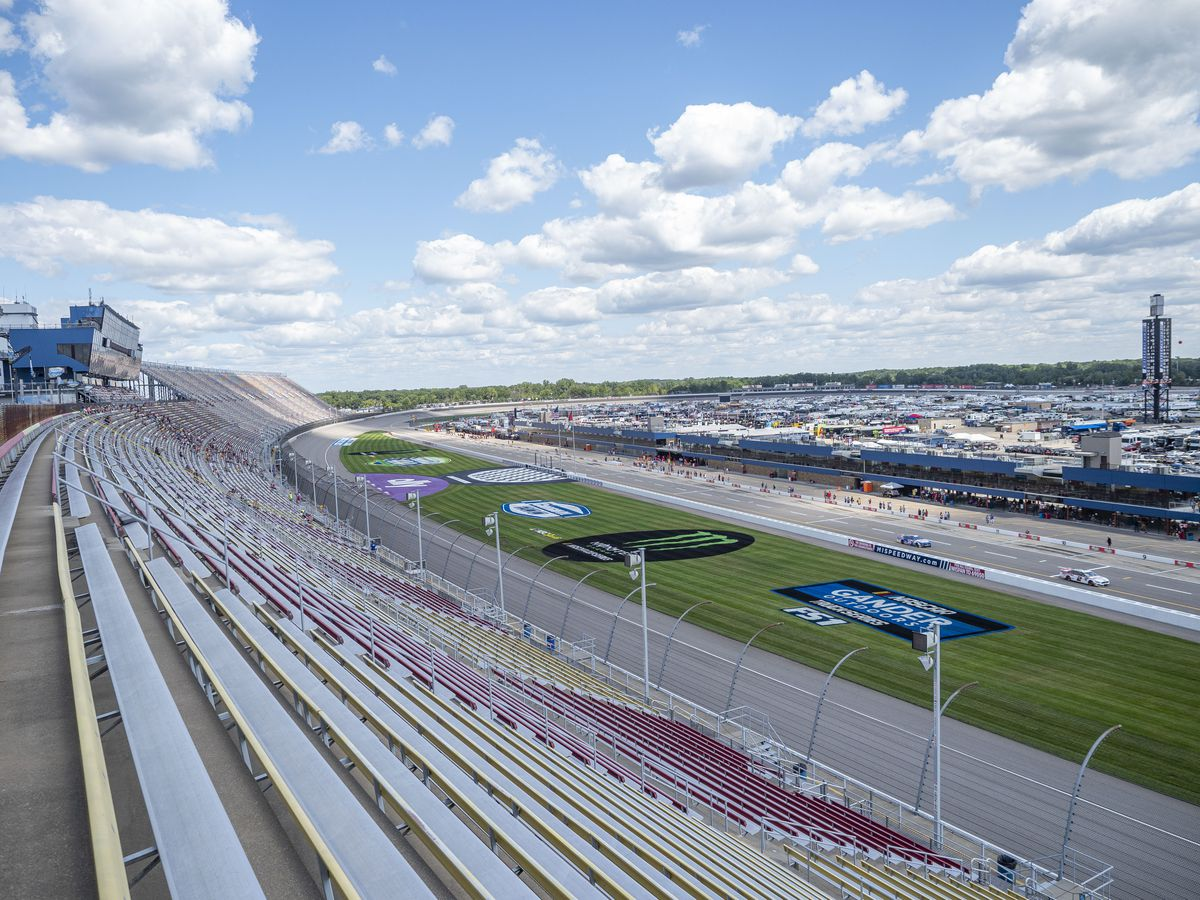 AUTO: AUG 09 Monster Energy NASCAR Cup Series - Consumers Energy 400