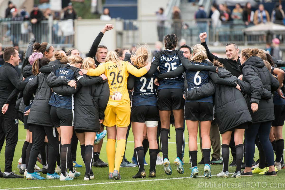 Reign FC fall to North Carolina Courage in NWSL playoff semifinal