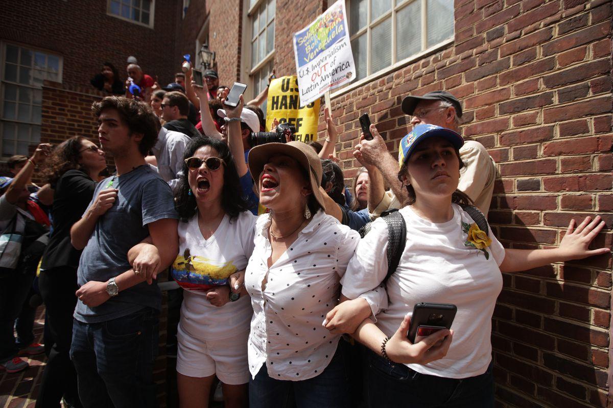 Venezuelan Scientist Offers Reality >> Venezuela Guaido Maduro Standoff Leads To Washington Embassy Clash