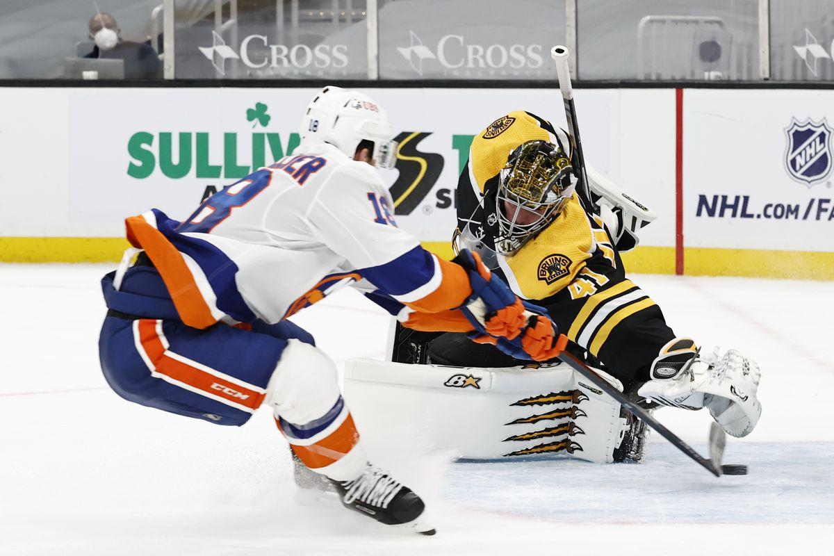 NHL: MAR 25 Islanders at Bruins