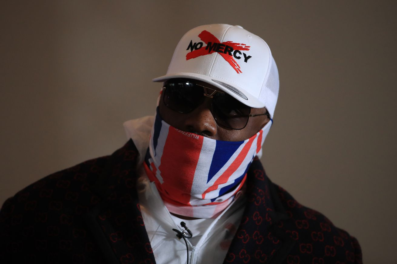 <label><a href='https://www.mvpboxing.com/news/boxing/32615/Watch-Chisora-readies-for-Usyk-with-crazy-body-sho' class='headline_anchor'>Watch: Chisora readies for Usyk with crazy body shot training</a></label><br />Chisora enlisted an old rival turned friend to help him get his ribs ready for Oleksandr Usyk. Der
