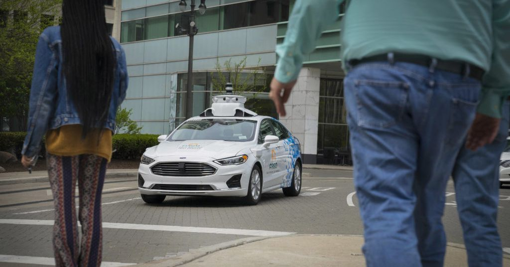 photo of Ford will test new third-generation self-driving cars in Detroit image