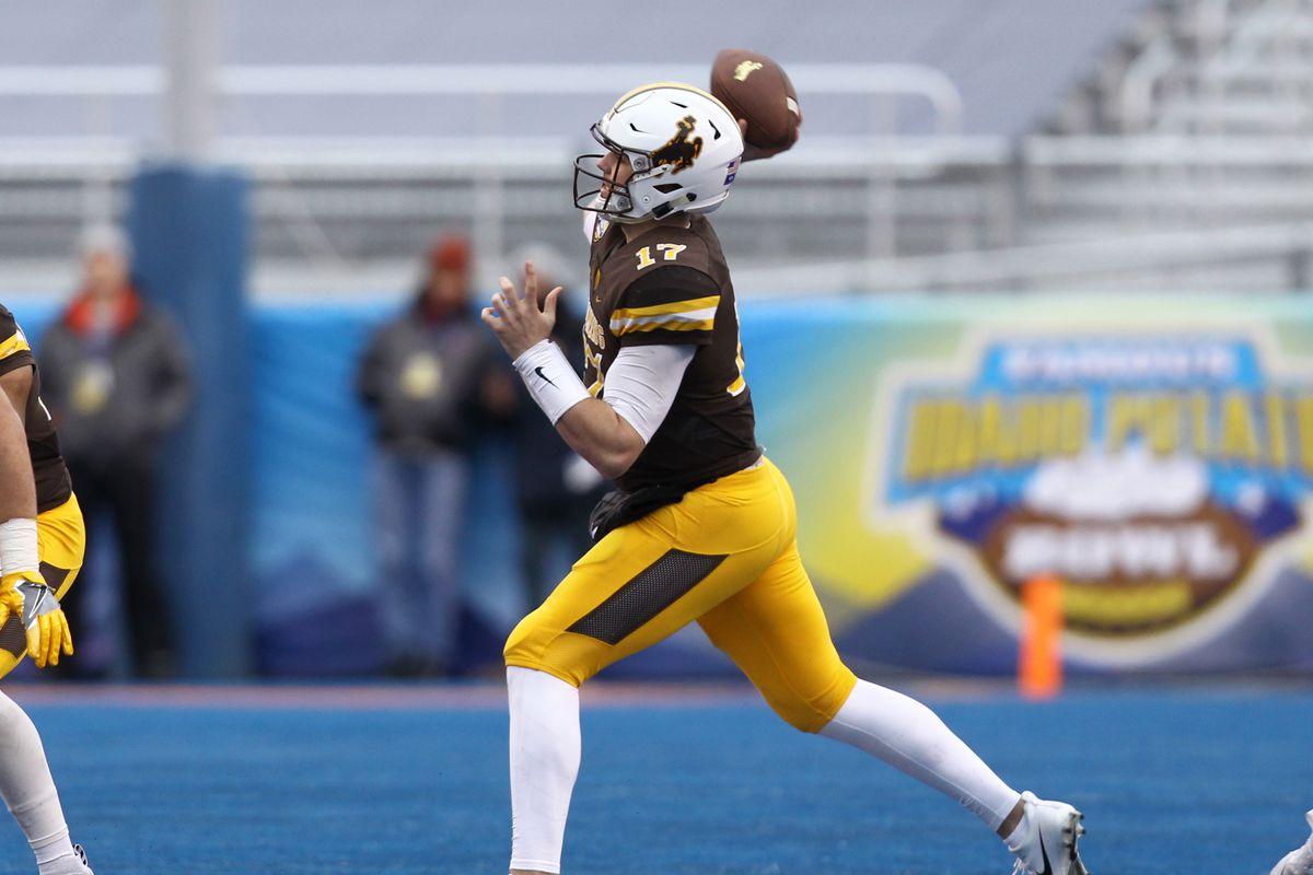 best sneakers edb45 e3957 NFL mock draft 2018: Mel Kiper has Wyoming QB Josh Allen at ...