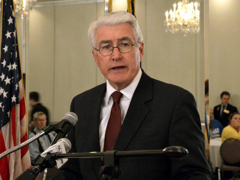 Former Gov. Jim Edgar speaks at a political rally in 2012. File photo.   Dom Najolia/Sun-Times