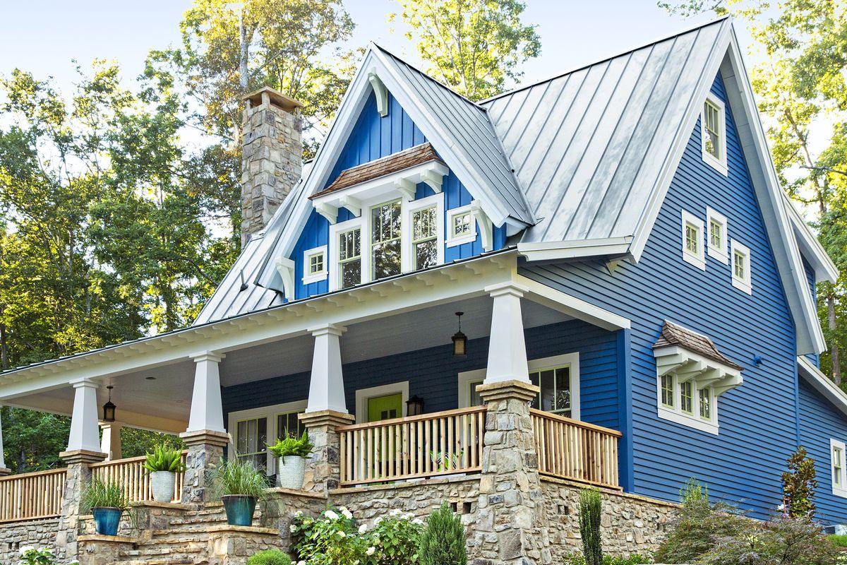 craftsman-style cottage at Cloudland Station