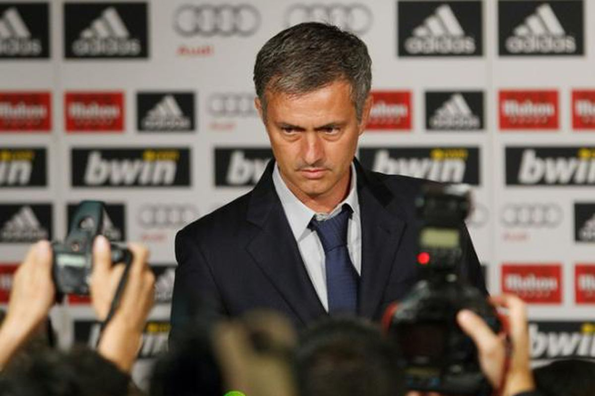 "Be like these guys! Write for Managing Madrid! via <a href=""http://1.bp.blogspot.com/_eVOsvi7Tokc/TARRX73HmQI/AAAAAAAADCk/6Cwijt02ZYY/s1600/mourinho+madrid.jpg"">1.bp.blogspot.com</a>"