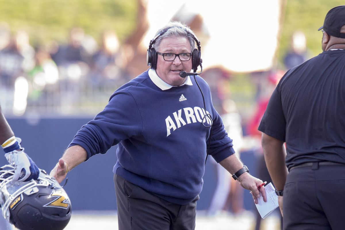 If Terry Bowden finishes 2017 in Akron, it will be his ...