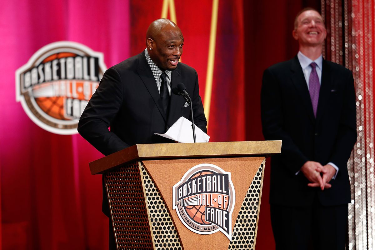Mitch Richmond named St John s assistant Rumble In The Garden