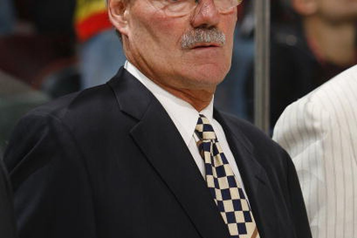 After a much-travelled career tending goal for crappy teams, Ron Low would ultimately become the head coach of the Edmonton Oilers and later the New York Rangers.