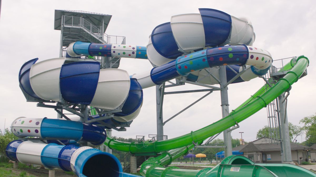 Hurricane Harbor Rockford is now home to the Midwest's first and only tailspin waterslide, Tidal Wave. At nearly four stories high, the attraction features three whirling high-speed turns, five hairpin turns and vibrant AquaLucent light technology.