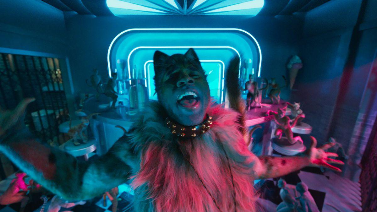 Jason Derulo as a cat in Cats