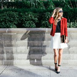 """Jacey of <a href=""""http://www.damselindior.com""""target=""""_blank"""">Damsel in Dior</a> is wearing <a href=""""http://www.express.com/clothing/pointed%20toe%20ankle%20strap%20pump/pro/0422008/cat2010?CID=550&pubname=rewardStyle&pubID=4441350""""target=""""_blank"""">Express"""
