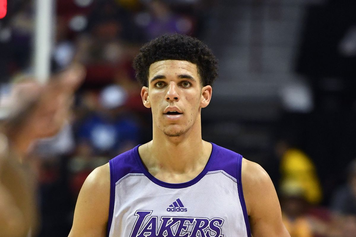 La Lakers Lonzo Ball Stats >> Lakers News: Larry Nance, Jr. and Baron Davis correctly point out that people 'hating on' Lonzo ...