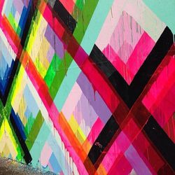 Splashes of color brightens up this frosty town. Houston looks great in neon. #GRATEFUL #STREETART #NEWYORKMINUTE