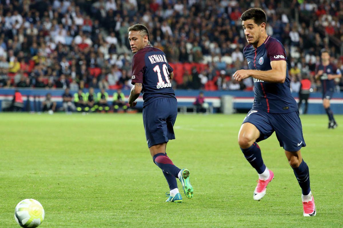 Paris Saint Germain v AS Saint-Etienne - Ligue 1