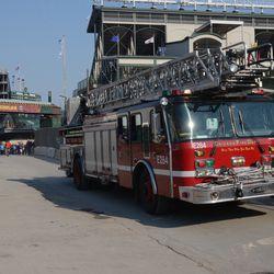 4:31 p.m. CFD ladder truck leaving on Waveland -
