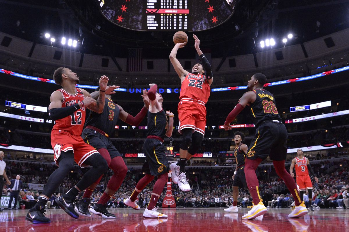 Chicago Bulls forward Otto Porter Jr. shoots in the second half against the Cleveland Cavaliers at United Center.