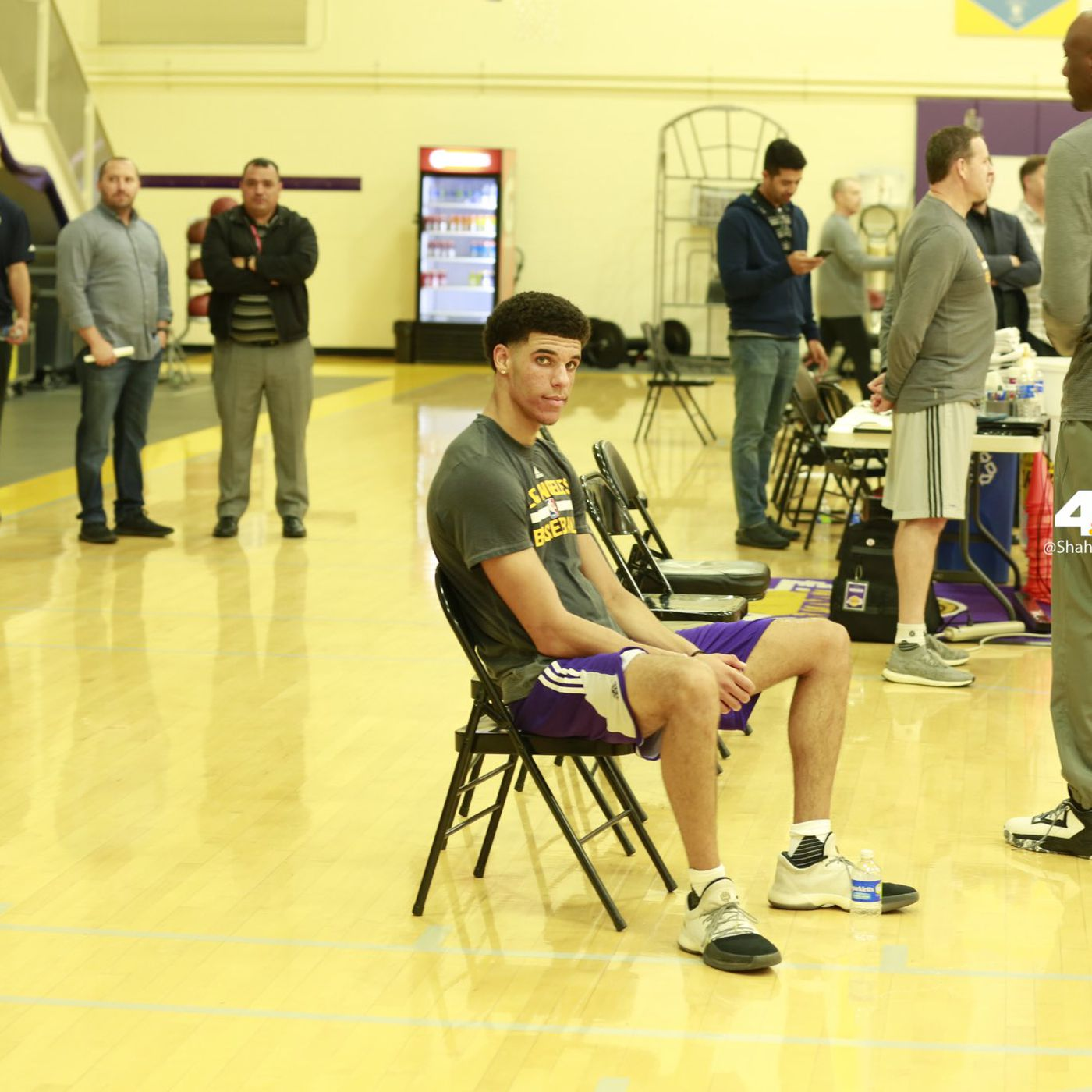 91fd4521f25c 3 possible reasons Lonzo Ball didn t wear his own shoe at his Lakers  workout - SBNation.com