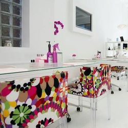 """<a href=""""http://www.zazazoonailsalon.com/About_ZaZaZoo.html"""">Zazazoo Nail Salon</a> [1842 North Damen Avenue]  has cute, pink-and-white decor that makes it look like a spa plucked out of Barbie's Dream Home (her dream home <em>would</em> have one.) Servic"""