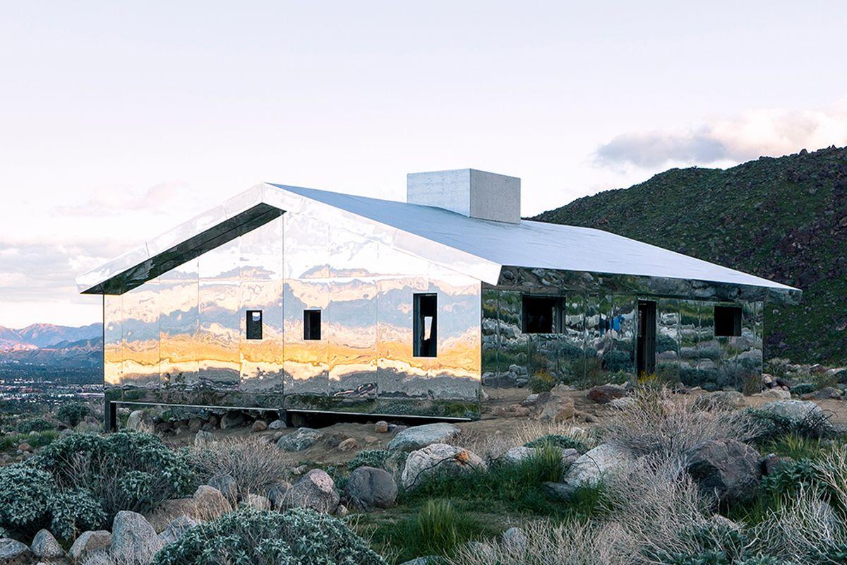 """Doug Aitken's """"Mirage,"""" a mirror-clad, gabled house in California's Coachella Valley."""