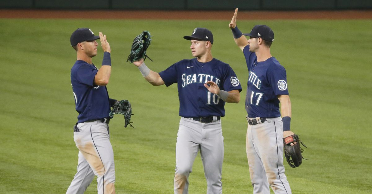 Mariners resume Ranger Killers role, careen back onto tracks with 9-5 victory