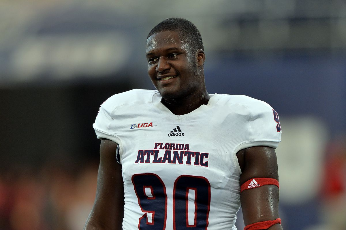Shalom Ogbonda of the FAU Owls is one of many gentleman Underdogs