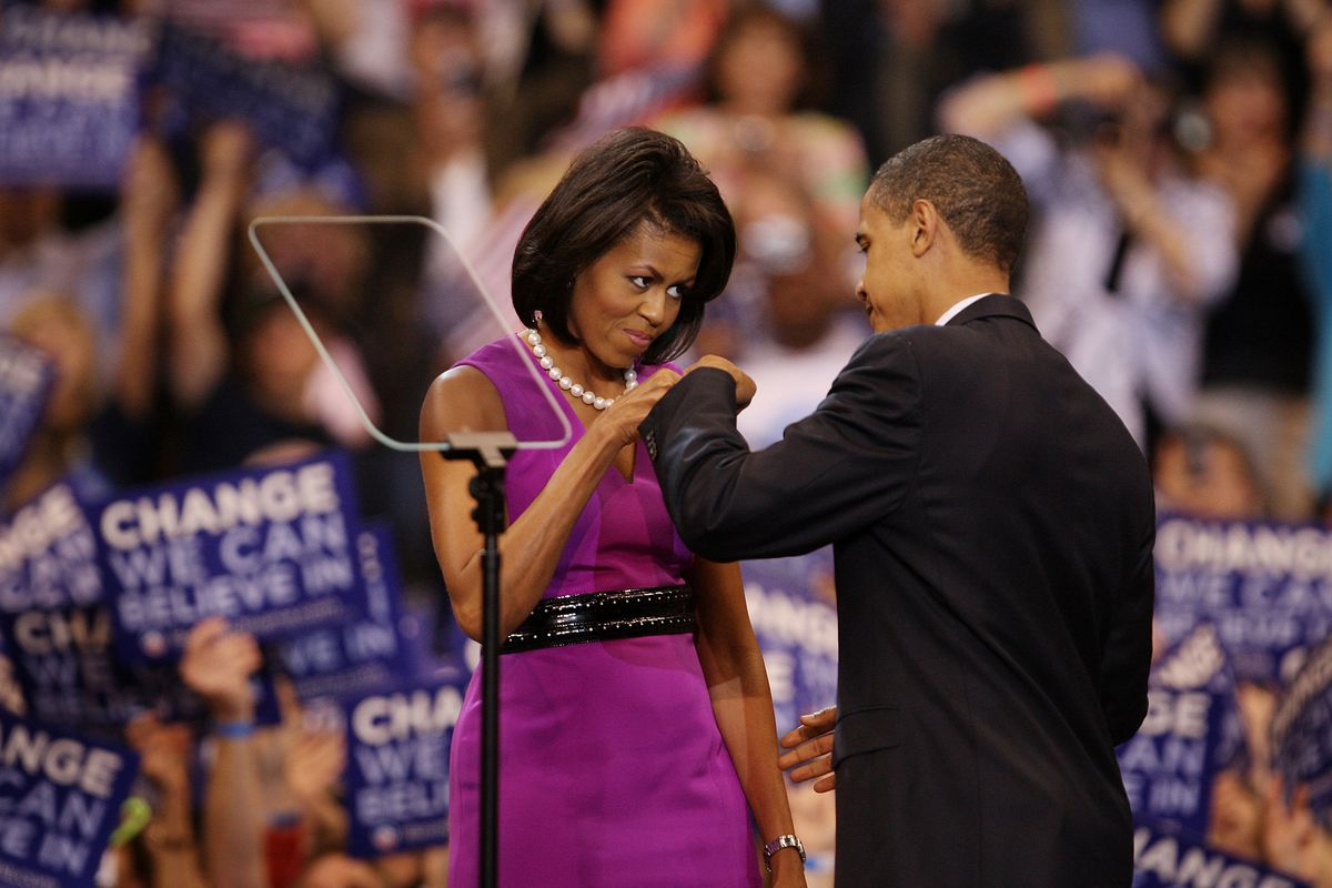 Obama fist bumps the First Lady in St. Paul, 2008