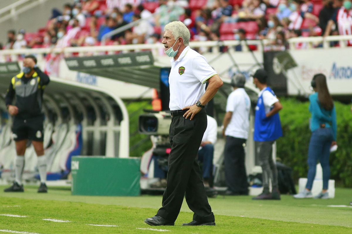 """Ricardo """"Tuca"""" Ferretti's first season as head coach of FC Juárez has been difficult thus far, as Los Bravos are in last place with two points."""