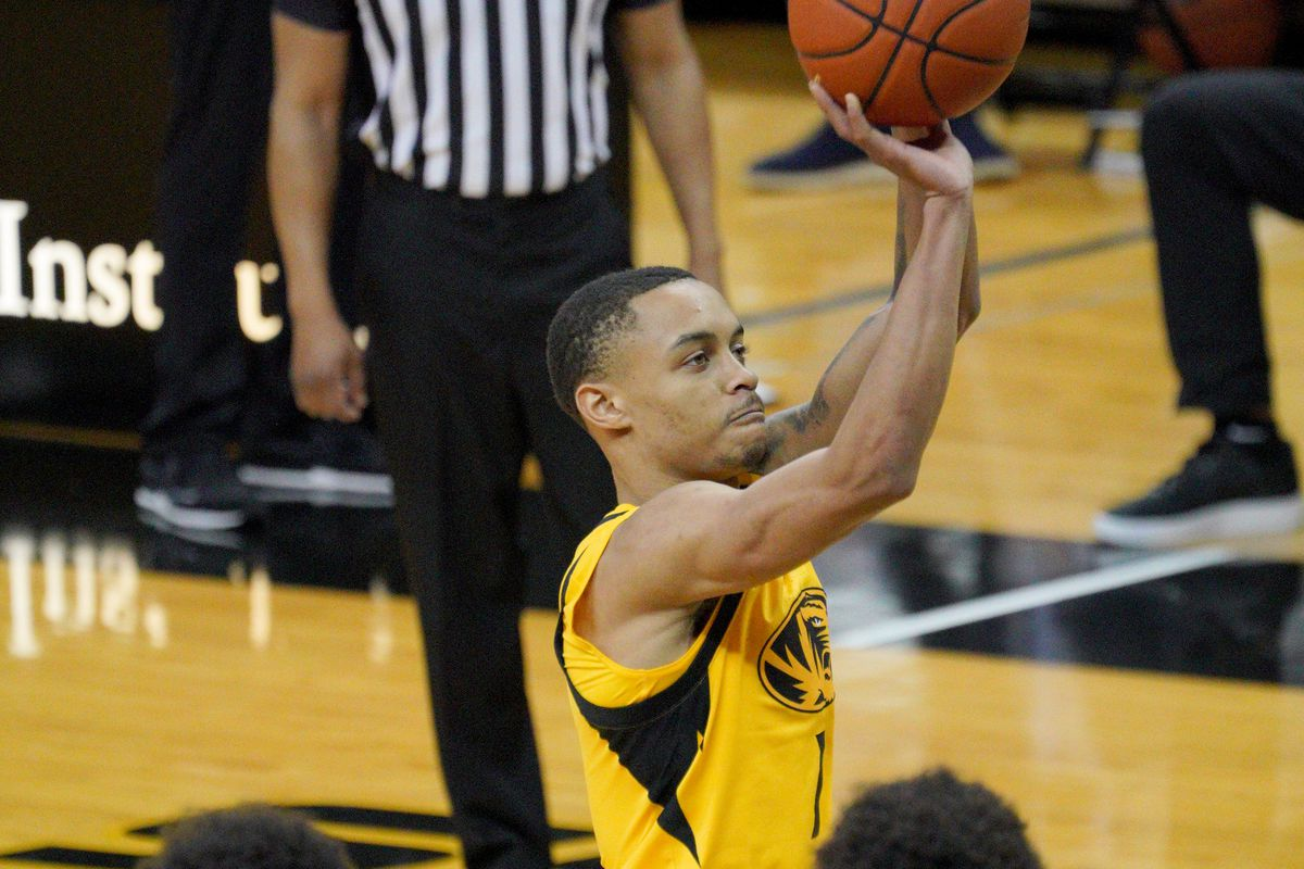 Missouri Tigers guard Xavier Pinson shoots a free throw during the second half against the Alabama Crimson Tide at Mizzou Arena.