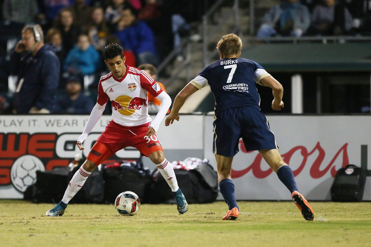 Veron puts a hat trick to sink the Armada