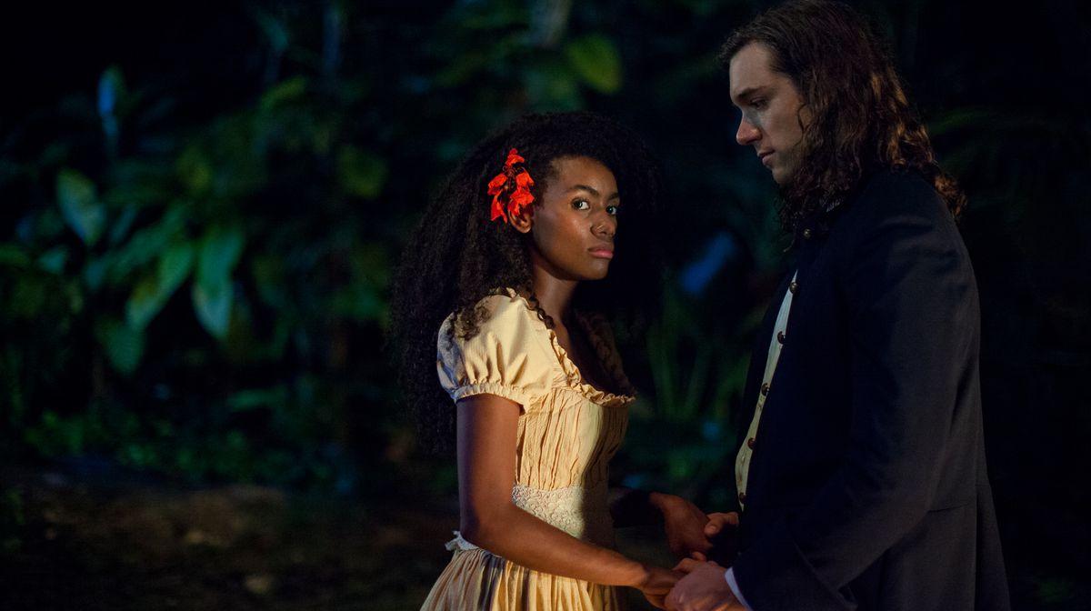 Angely Gaviria and Lenard Vanderaa star in Netflix's Siempre Bruja.