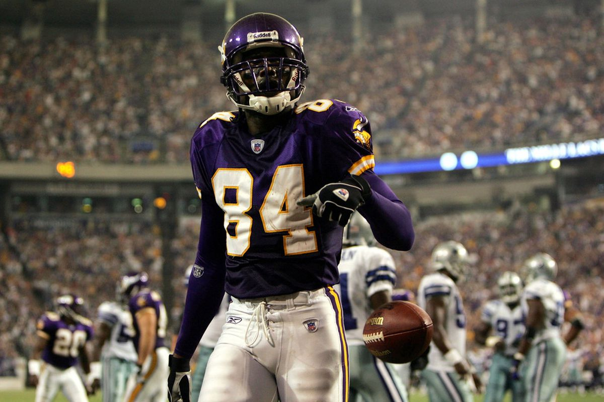 the best attitude 725a3 426d9 Randy Moss Returns To The Vikings, And The Circle Of Life Is ...