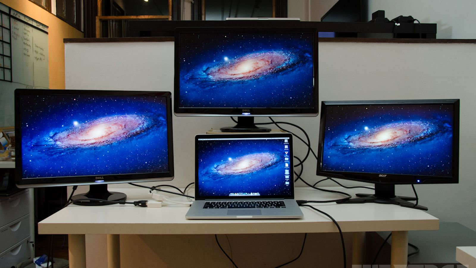 Macbook Pro With Retina Display Can Drive Four Screens