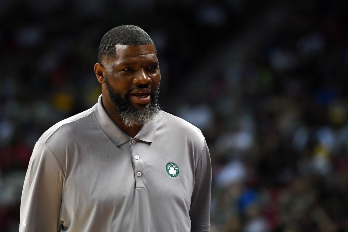 Evansville hires Celtics assistant Walter McCarty as head coach