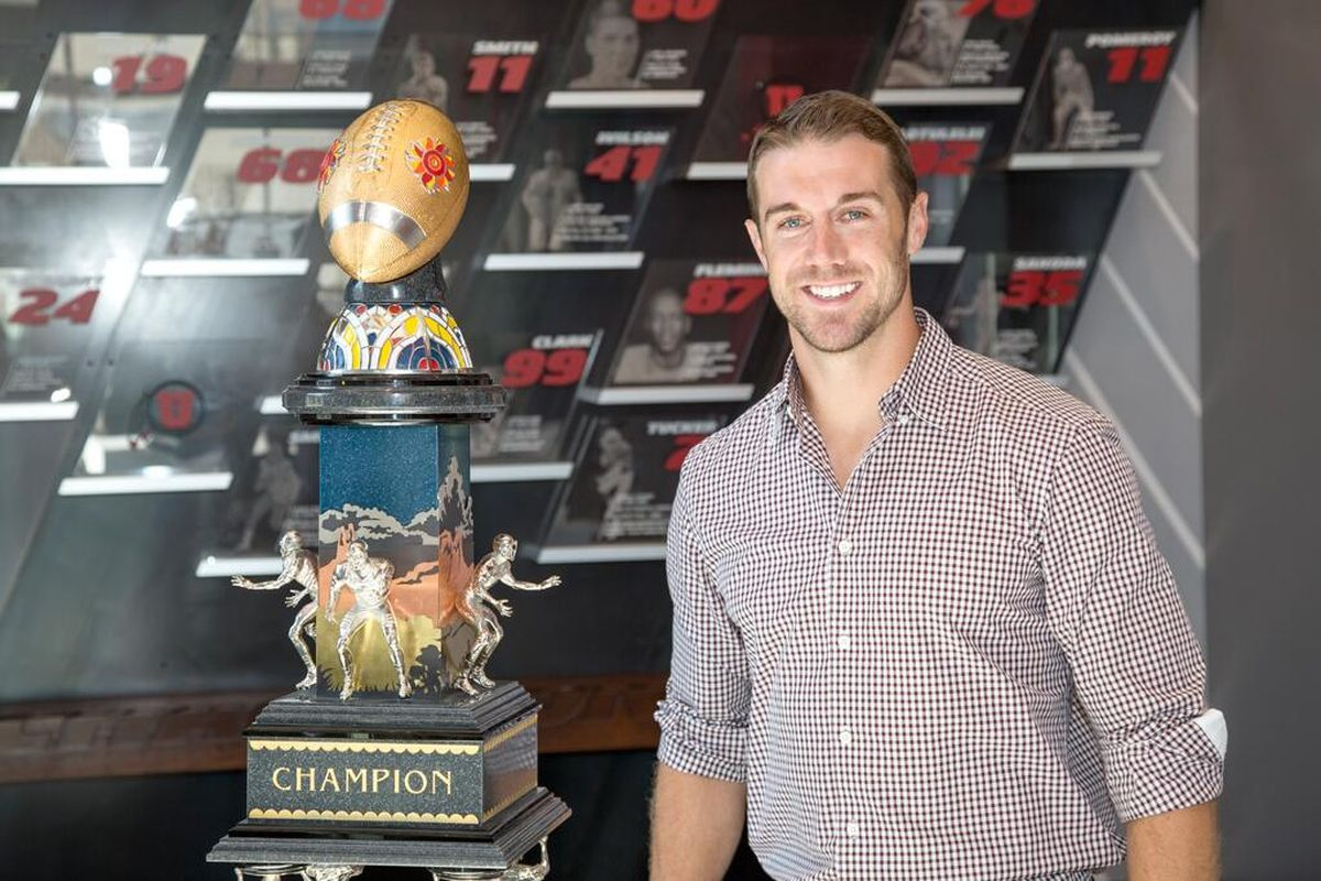 2005 Fiesta Bowl hero, Alex Smith, will give the commencement speech at the University of Utah's 2014 commencement ceremony.