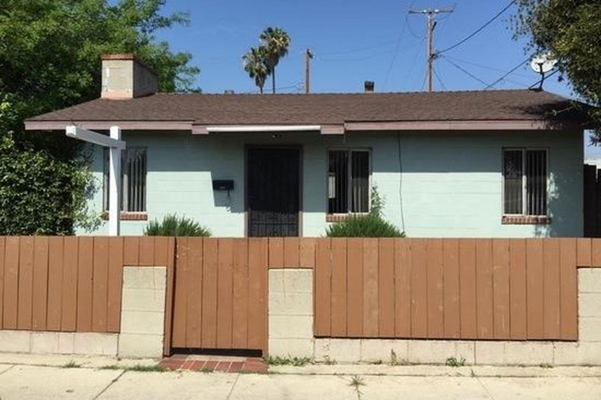 667 square foot one bedroom house in venice asking 1 5m curbed la this petite little venice house might not look like much but it is a