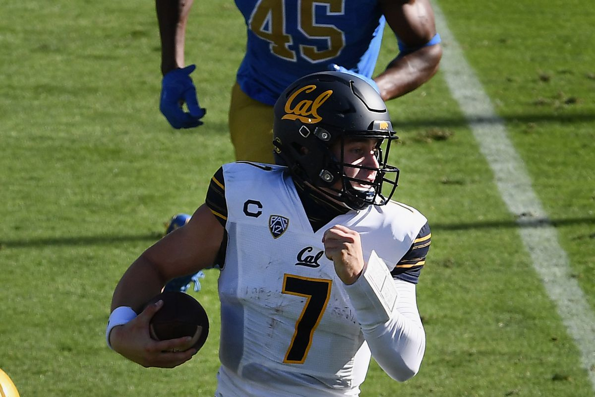 California Golden Bears quarterback Chase Garbers runs for a touchdown during a game between the UCLA Bruins and the California Golden Bears played on November 15, 2020 at the Rose Bowl in Pasadena, California.