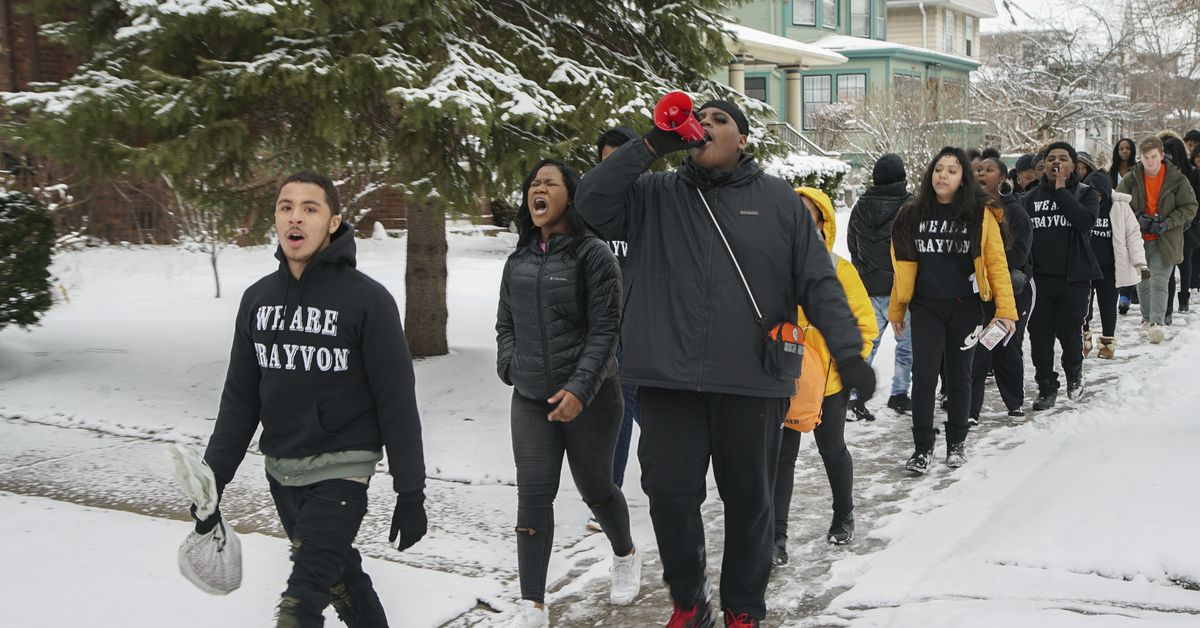 Oak Park - River Forest HS students walk out to protest police violence