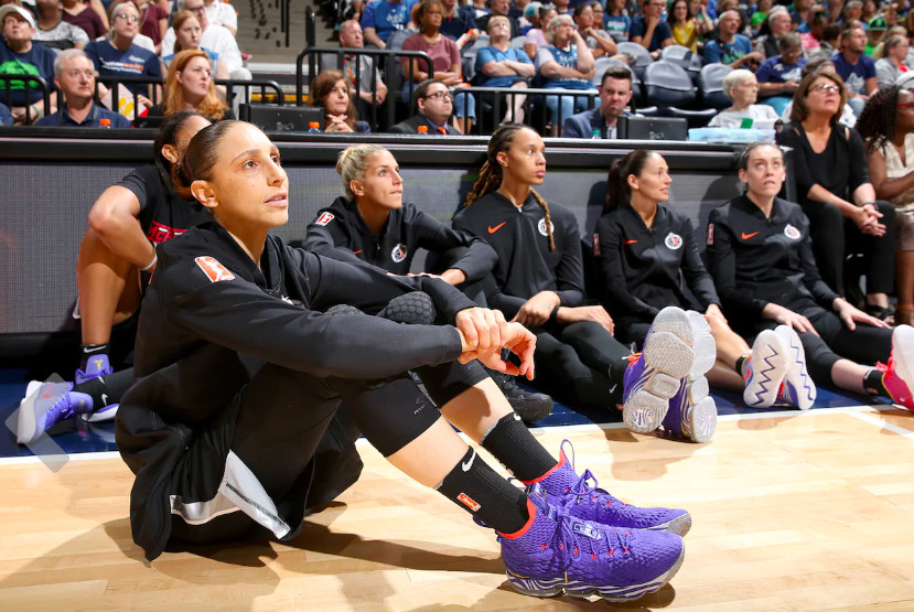 hot sale online 2fb1b a7fae Diana Taurasi has the best collection of LeBron 15 sneakers ...