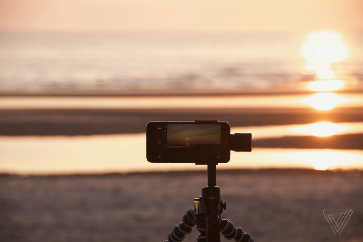 Rigiet Is A Smartphone Stabilizer That Could Make You An Instagram Components Shown Below To Build Flashing Light Circuit Complete The Capturing Motion Time Lapse Thomas Ricker Verge