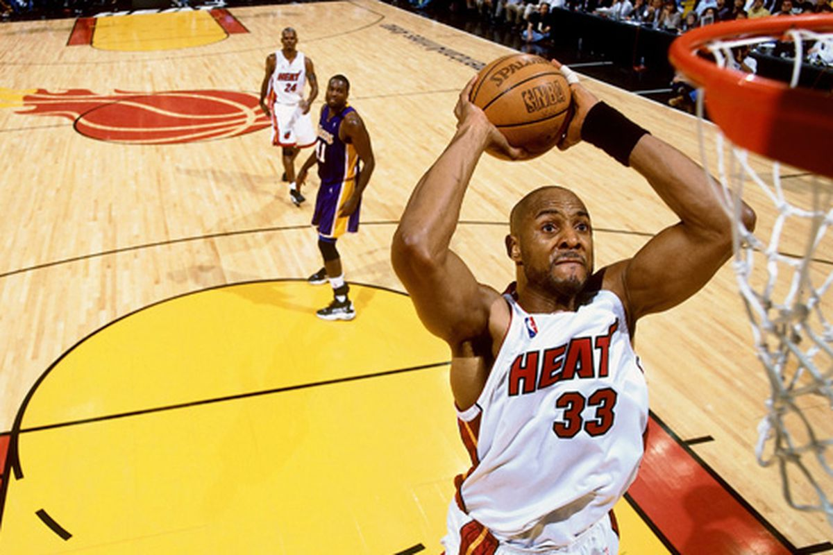 Miami Heat Player Countdown 2 Alonzo Mourning Hot Hot Hoops