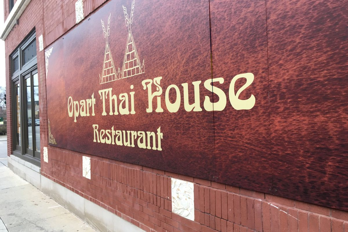 Opart Thai Quietly Opens On Chicago Avenue With Limited