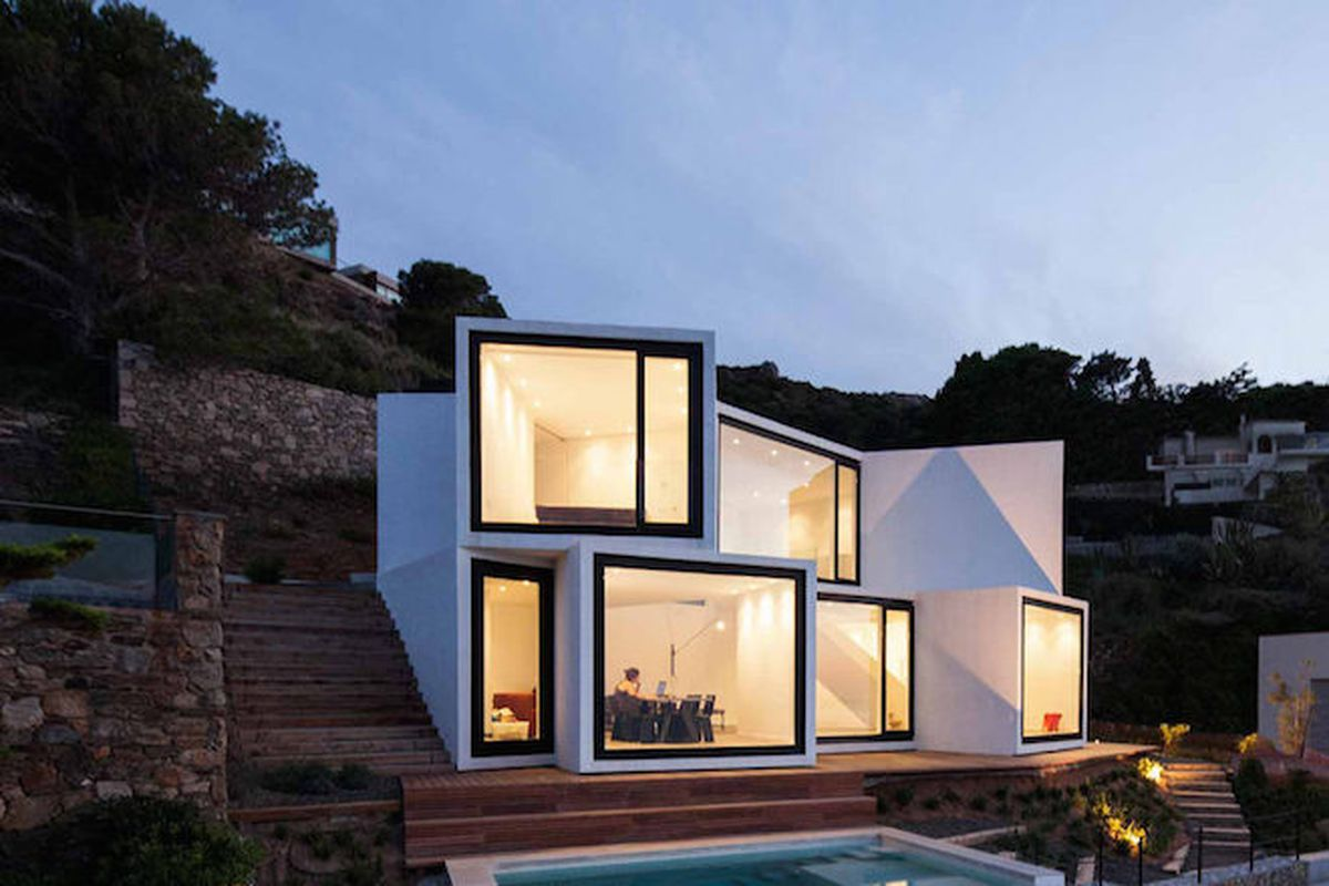"""Photo by <a href=""""http://www.pereznieto.com/"""">Sandra Pereznieto</a> via <a href=""""http://www.archdaily.com/638145/sunflower-house-cadaval-and-sola-morales/"""">ArchDaily</a>"""