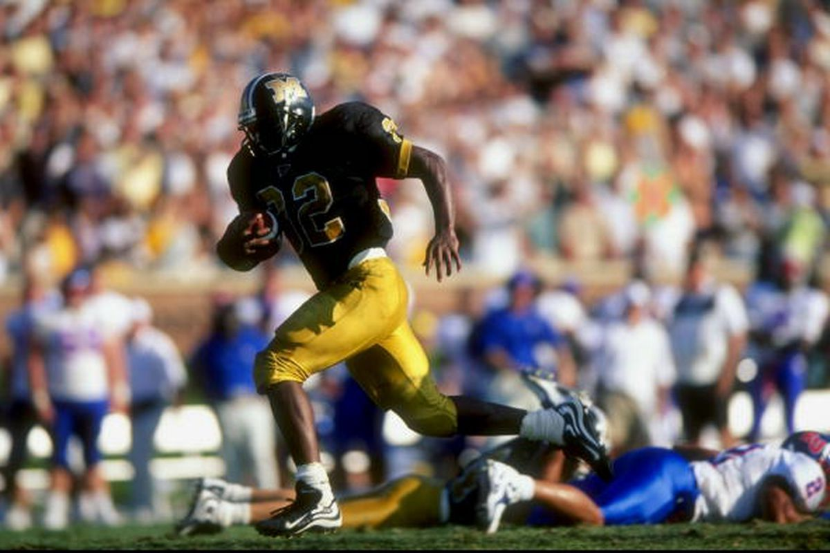 12 Sep 1998: Tailback Devin West #32 of the Missouri Tigers in action during a game against the Kansas Jayhawks at Faurot Field in Columbia, Missouri. The Tigers defeated the Jayhawks 41-23.