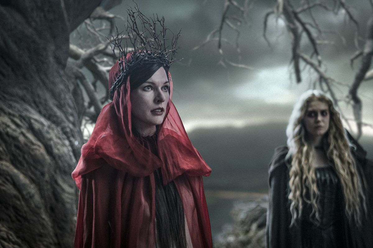 """Milla Jovovich (left) as Nimue, the Blood Queen, with Penelope Mitchell as Ganeida in """"Hellboy."""" 